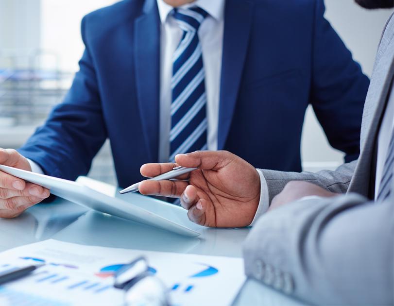CFO puede controlar monitorizar impedir el presupuesto con ESKER